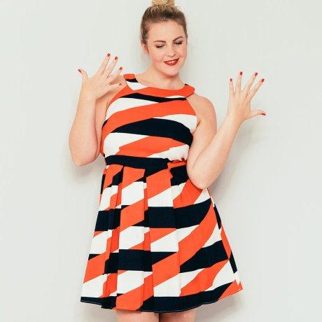 4907fce1781f Om man vill avleda uppmärksamheten från axlarna lite, så är en stor volym i  kjoldelen det perfekta tricket, eftersom den drar alla blickar till sig.